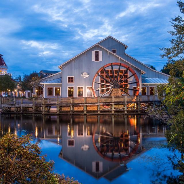 Disney's Port Orleans Resort - Riverside hotel exterior