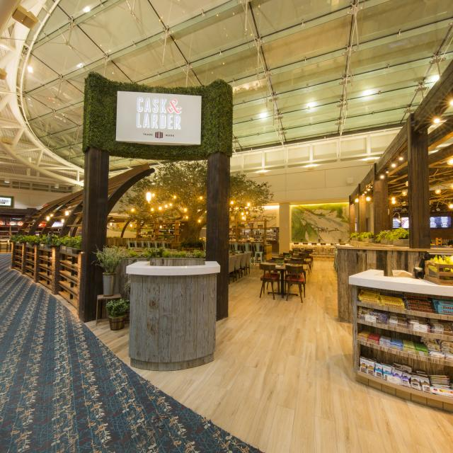 Orlando International Airport - Cask & Larder restaurant