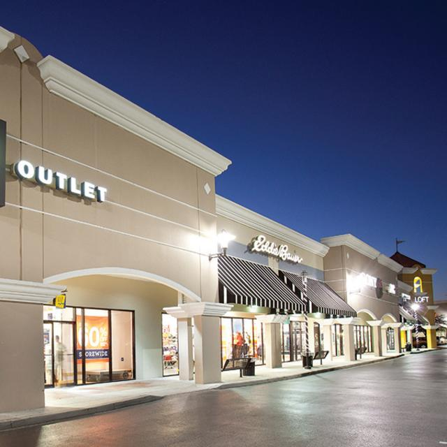 Lake Buena Vista Factory Stores gap outlet shop