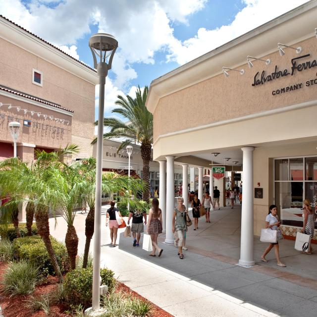 Orlando Vineland Premium Outlets shopping mall Salvatore Ferragamo store