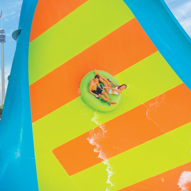 Kare Kare Curl water slide at Aquatica Orlando