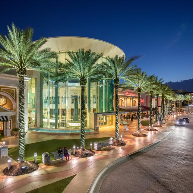 The Mall at Millenia main entrance at night.