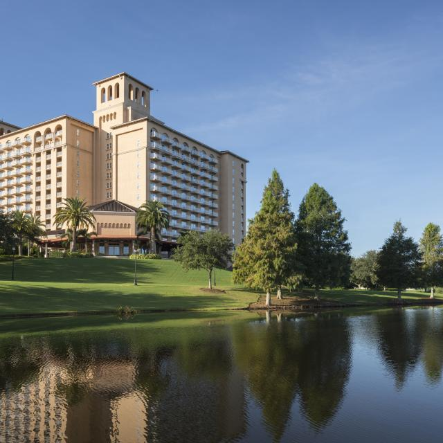 The Ritz-Carlton Orlando, Grande Lakes hotel exterior and water