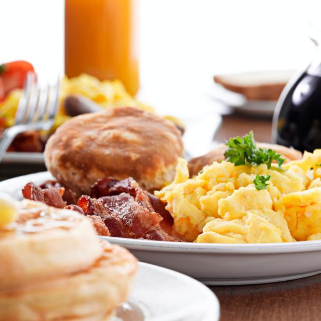 plates of breakfast food