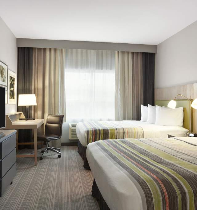Country Inn and Suites in Lawrence Kansas