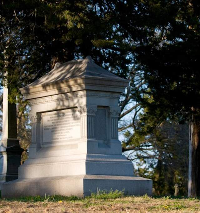 Oak Hill Cemetery in Lawrence Kansas