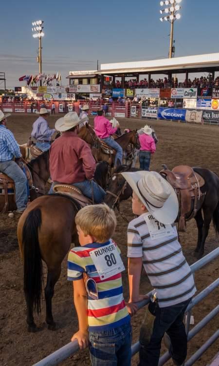 kids-at-rodeo
