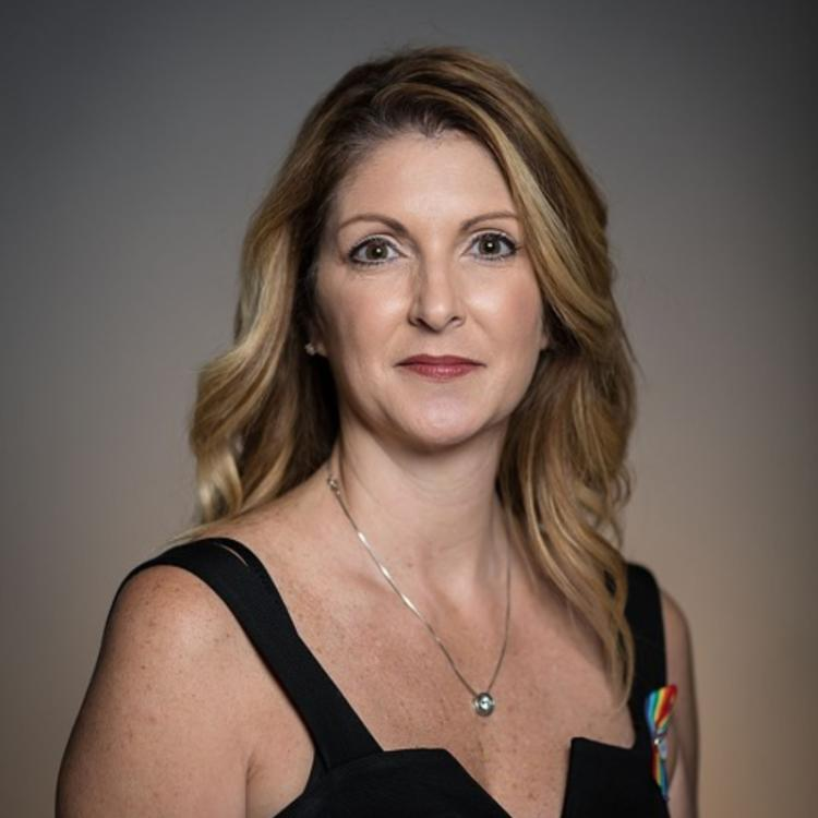 Headshot for 2021 Visit Orlando Board of Director Barbara Poma