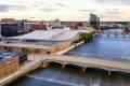 对格兰德河的翻修将增加沿着风景优美的水道的公共空间和休闲区域。