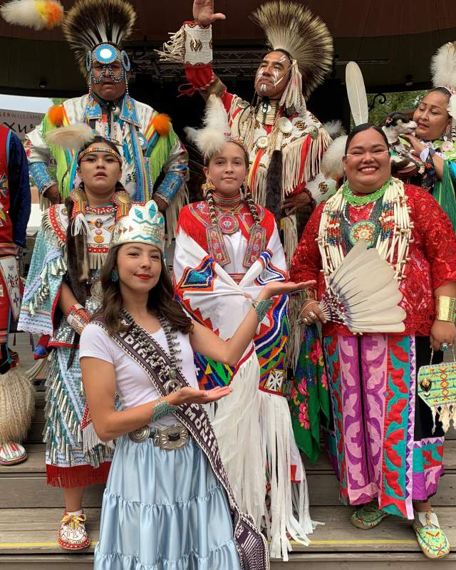 21 Queen and Native Pride Dancers