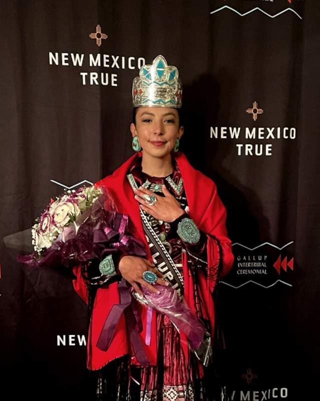 21 Ceremonial Queen header