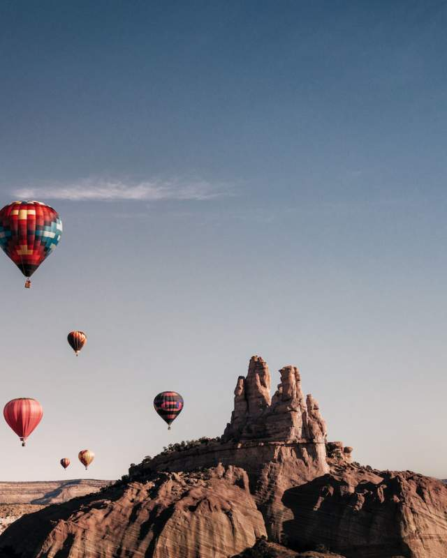 Balloons take to the air over Red Rocks State Park
