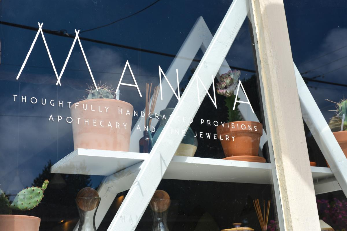 Manna Store Window Front in Florence