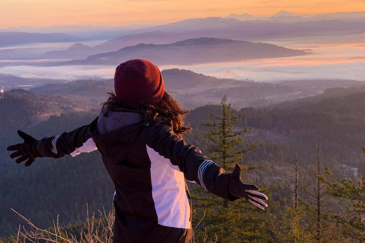 Spencer Butte Winter sunrise hike by Melanie Griffin