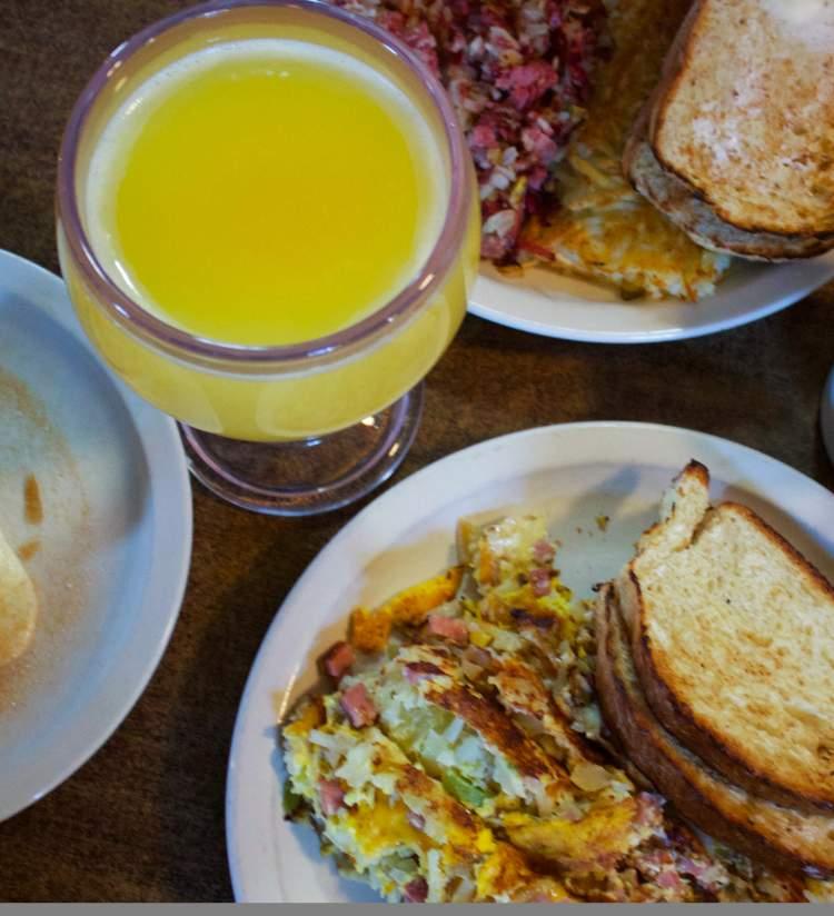 Frank's Diner - Breakfast Spread