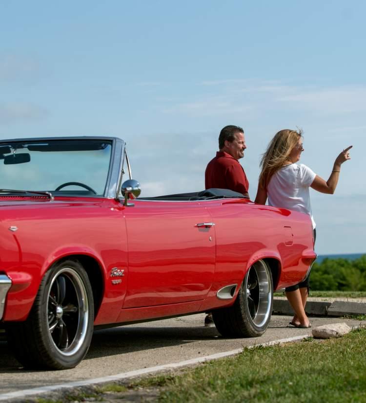 couple at Kenosha's Lake Michigan lakefront