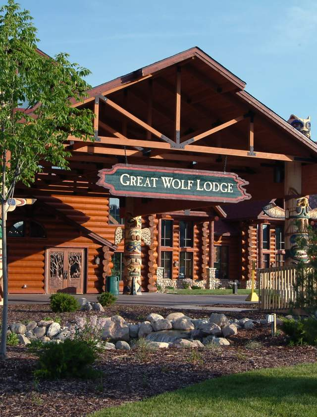 Great Wolf Lodge outside
