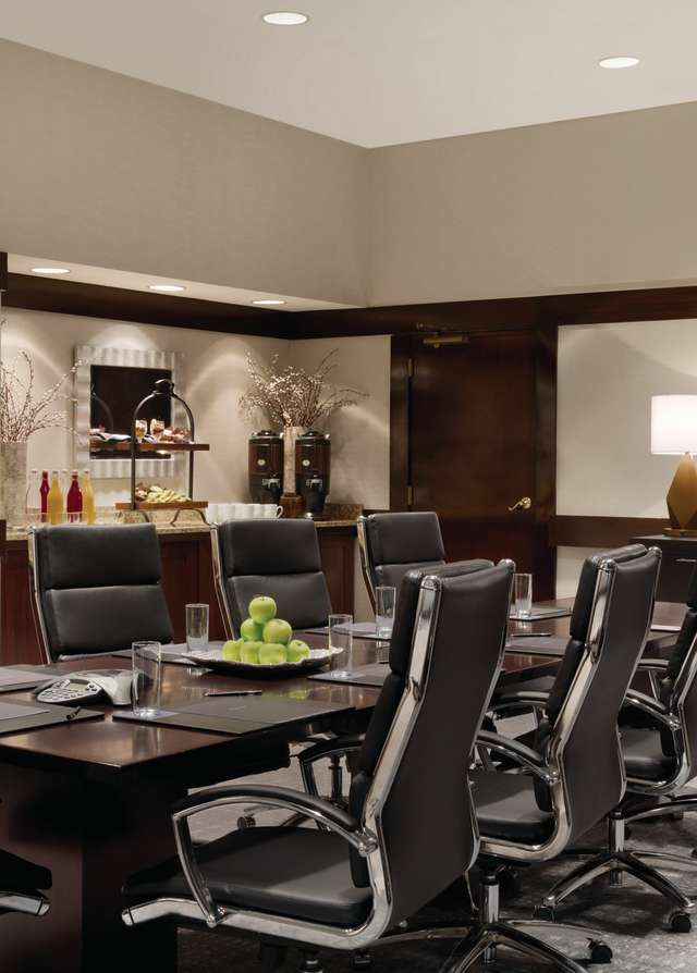Hilton Greenville - Executive Boardroom