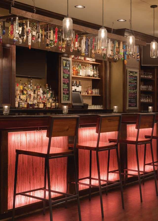 Hilton Greenville - The Lobby Bar