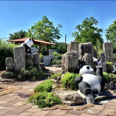Lucky Land pandas