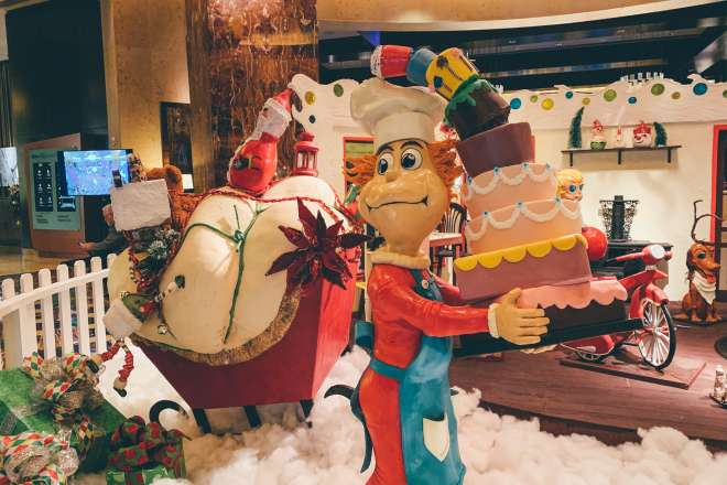 Hilton Americas Holiday Decor Christmas