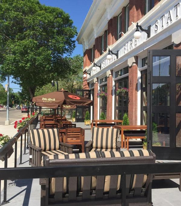 6 patios to get you outside the perimeter this summer