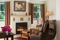 Eagle Rock Lodge Songbird Room by Jumping Rocks Photography