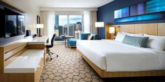 Delta Hotel Toronto suite