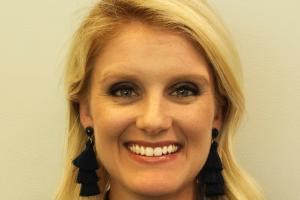 Sarah Davis Headshot