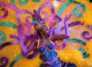 Performer at the Universal Studios Florida Mardi Gras parade