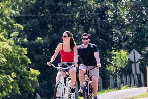 ϾOhio River Greenway, biking}}