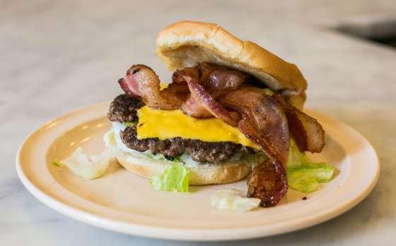 Bacon Cheeseburger, Camellia Grill