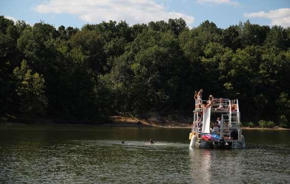 pontoon rental lake monroe