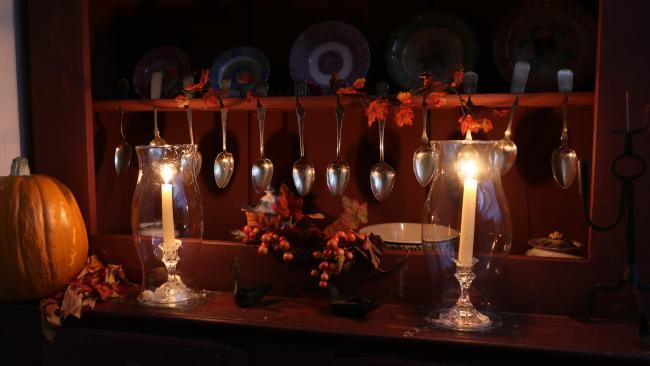 Compass Inn Candlelight Tours