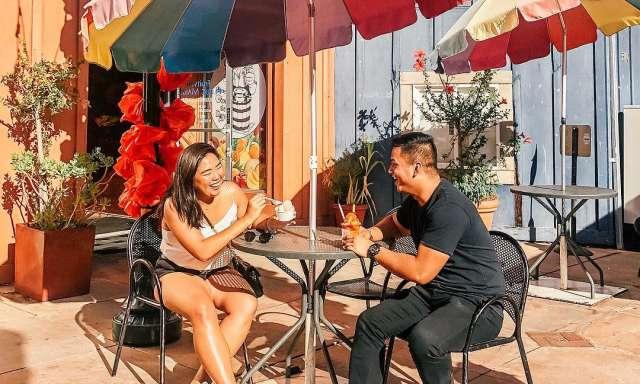 Nieves Cinco De Mayo Couple Enjoying Ice Cream