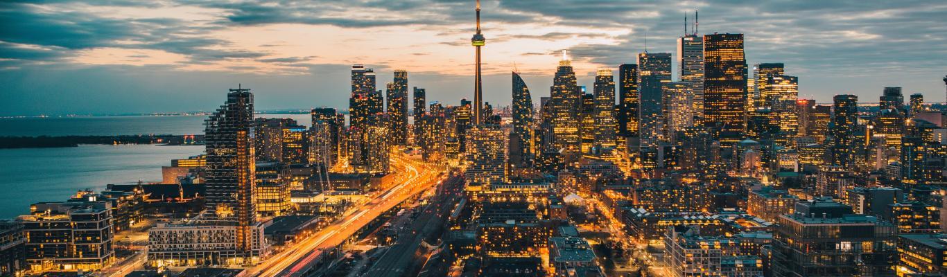 A night view of the Toronto skyine