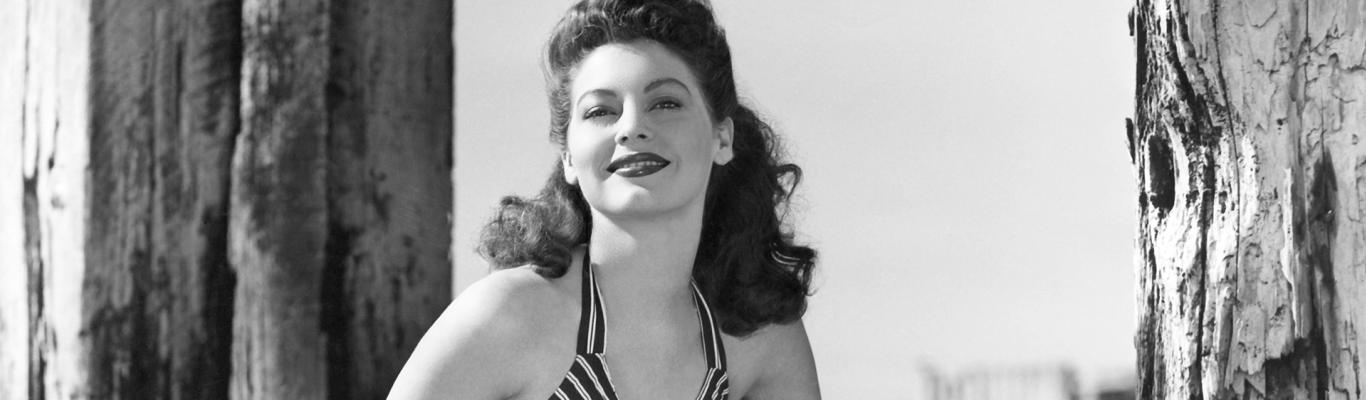 Ava Gardner at the beach 1940s