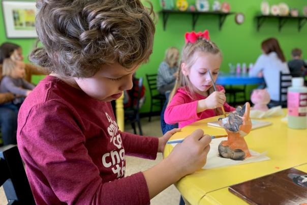 uPaint Pottery Studio children painting
