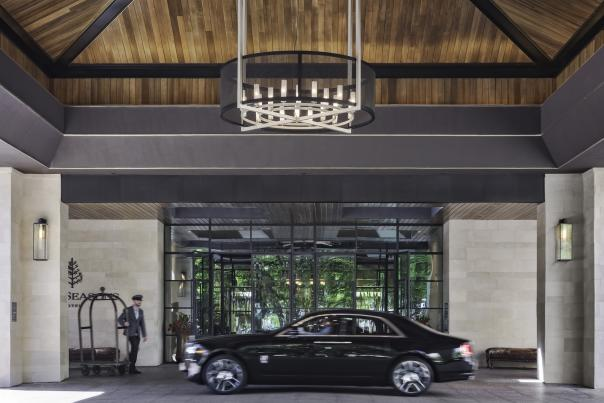 Front Drive. Courtesy of the Four Seasons Austin.