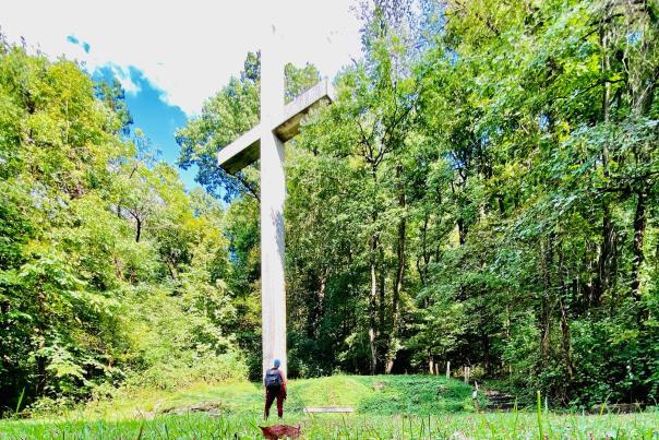 Cross at Burritt on the Mountain