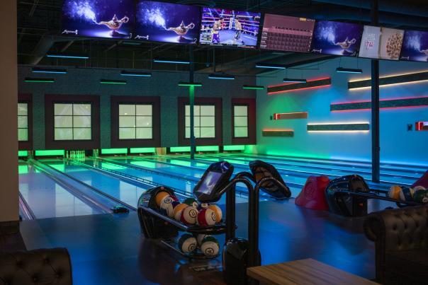 810 Billiards & Bowling Chandler - Bowling Lanes
