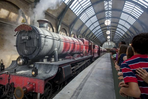 Climb aboard Hogwarts Express at Hogsmeade Station to King's Cross Station, where along the way you'll encounter characters from the Harry Potter books and movies.