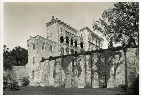 Austin Woman's Club at the North-Evans Chateau Bellevue. C01575, Austin History Center, Austin Public Library.