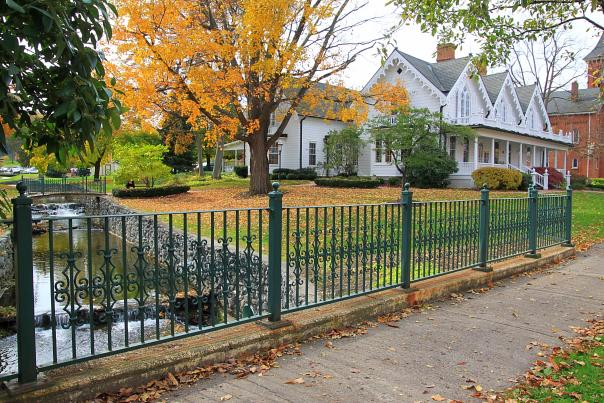 Foster-Cottage-Museum-Clifton-Springs-Exterior-fall-leaves-side