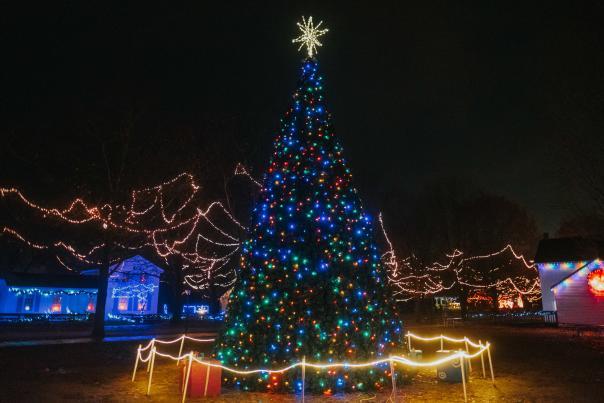 Christmas at Crossroads Holiday Magic