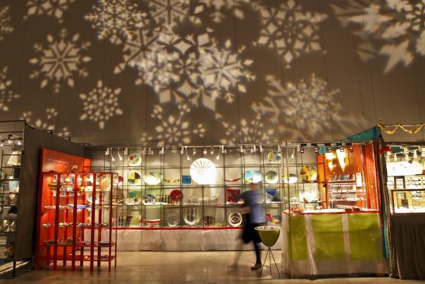 SPANISH HOLIDAY ARTICLE WIDGET. Armadillo Christmas Bazaar.