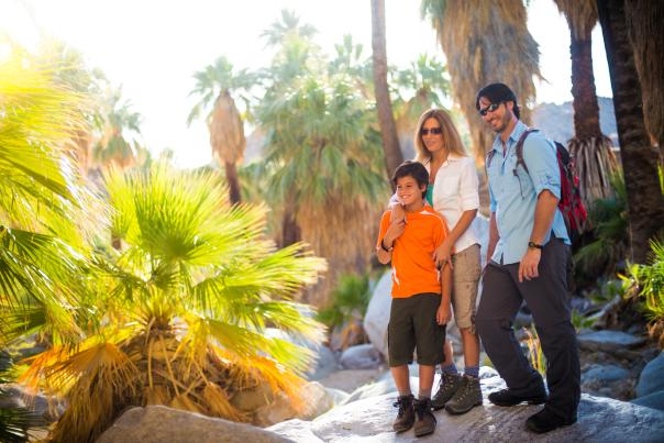 family hikes featured web