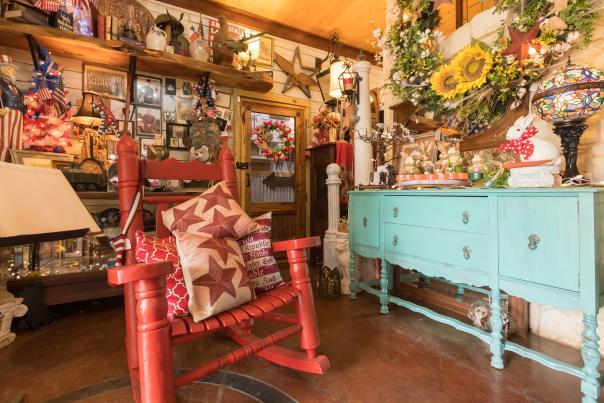 Wells Creek Antiques-Palestine-Shopping-H