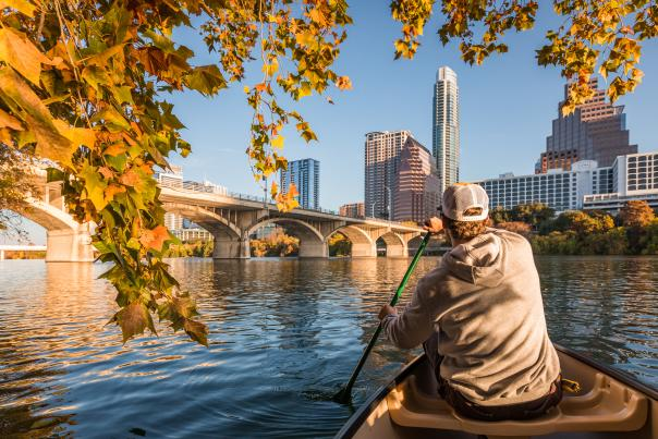 Canoe on Lady Bird Lake in the Fall. Credit Pierce Ingram_EXPIRES 9/22.