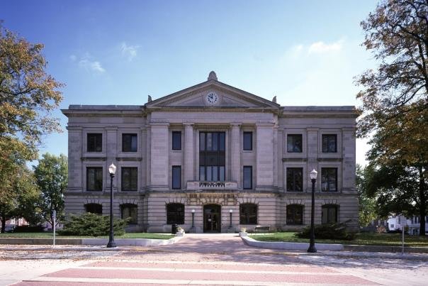 Hendricks County Courthouse exterior